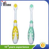 Escova de dentes de criança com cerda macia