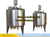 El tanque de acero inoxidable en caso de reacción y mezcla