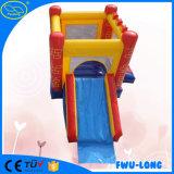 Feito no castelo inflável do parque temático de China