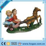 Статуя сувенира венчания Polyresin с Figurine автомобиля