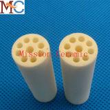 99.7% Fermer-Un le tube en céramique d'alumine industrielle d'extrémité