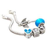La catena del serpente con il simbolo di pace dell'argento del cuore firma i braccialetti d'argento dell'uccello