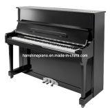 黒いポーランドのアップライトピアノ(HU-121E)