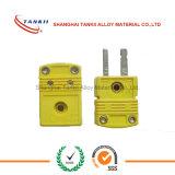 Pulsar el enchufe del termocople de k y el conector de la chaqueta con color amarillo