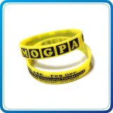 Wristband de goma del silicón del diseño 3D con insignia de la impresión