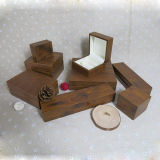 Loja Using a caixa de presente da jóia do indicador do pendente