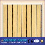 De baixa frequência absorver o painel acústico Grooved de madeira