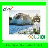 Nuovi automatici poco costosi schioccano in su la tenda della spiaggia con UV