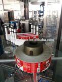 El jugo embotella la máquina de etiquetado caliente automática del pegamento del derretimiento con la escritura de la etiqueta del PVC