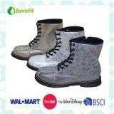 Boots dei bambini con l'unità di elaborazione Upper e TPR Sole