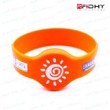 Le coût bas 13.56MHz imperméabilisent des silicones de bracelets d'IDENTIFICATION RF