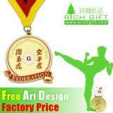 流行の高品質のカスタム金属はトロフィの空手メダルを遊ばす