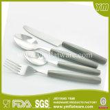 تعزيز هدية مقبض بلاستيكي الفولاذ المقاوم للصدأ والسكاكين
