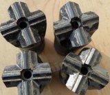 別のタイプそしてサイズの先を細くされた十字の穴あけ工具