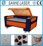 Machine de découpage de laser de CO2 de coupeur de laser de coût bas pour le cuir et le tissu