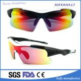 Nuovo PC polarizzato degli occhiali da sole di sport di vendita di disegno modo unisex caldo