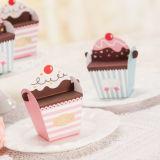 Boîtes-cadeau pointues de sucrerie de noce de gâteau mignon