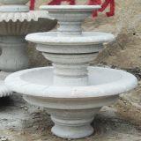 Het witte Marmeren Standbeeld van de Tuin van de Fontein