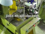 アコーディオン式かみそりとげがあるテープワイヤー機械(工場)