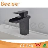 Mélangeur ouvert de robinet de Baisn de pièce de salle de bains de chute d'eau de bec de nouvelle poignée simple noire de corps rond
