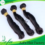 加工されていないばねの巻き毛の100%年のバージンのインド人の毛
