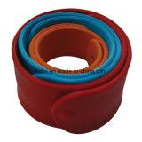 Ricordo di plastica cinese sano variopinto del braccialetto del branello nero del PVC del fornitore