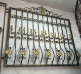 Diseño ornamental de la parrilla de ventana del hierro labrado