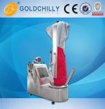 Vapor comercial do equipamento de lavanderia que preconiza a estação de acabamento do formulário do terno