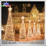 Het Licht van de openlucht LEIDENE van de Vakantie van het Park Kerstboom van de Kegel