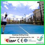 Il tennis riciclato dei materiali mette in mostra la stuoia della gomma del pavimento