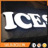 새로운 주문을 받아서 만들어진 LED 아크릴 알파벳은 Frontlit를 써 넣는다