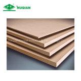 El precio 4 ' x8'x17mm E1 de la tarjeta del MDF de la melamina de Bangladesh de los muebles del MDF del material de construcción del alto MDF del lustre cubre a surtidor