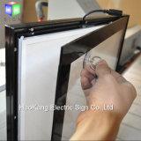 Bâti fixé au mur d'affiche de film de DEL avec le bâti éclairé à contre-jour magnétique en aluminium pour annoncer l'étalage