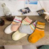 新しい方法木靴デザイン星の赤ん坊の綿のソックス