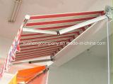 適用範囲が広い引き込み式の調節可能なテラスのドアの日除け