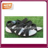 Новые ботинки сандалии черноты типа для людей