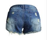 OEM Short Jeans 느슨한 찢긴 밝은 파란색 유럽 고품질 숙녀의