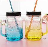 Taza de cristal de la maneta de la taza del masón con la tapa y la paja de Metla