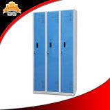 Drei Tür-Hochschulkleidung-Schließfach-Schrank mit Person 3