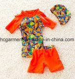 Terno de natação novo do projeto para miúdos, camisas da natação T do menino e calças