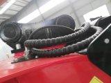 掘削機のバケツを押しつぶす油圧粉砕機のバケツ