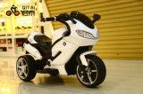 La conduite électrique de bébé sur le véhicule badine le vélo de moteur