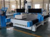 Espuma de poliestireno y espuma del CNC que tallan la máquina de grabado que muele para el molde