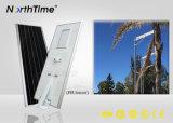 Comitato monocristallino del silicone di illuminazione esterna solare Integrated con il sensore 30W 40W 50W 60W