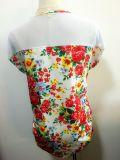 女性の方法は円形首の短袖によって編まれるデジタルによって印刷されるTシャツに着せる