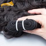 Trama sin procesar negra natural del pelo humano de Remy del indio del 100%