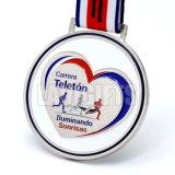 安い顧客用はダイカストの銀製の柔らかいエナメルによってめっきされる金属賞メダルを