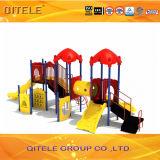 Kind-im Freienspielplatz-Gerät mit doppeltes Plättchen-und Kropf-Tunnel