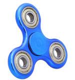 Personnaliser soulagent le gyroscope de doigt en métal blanc de triangle de jouet de main de tension