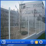 El PVC pintó los 3 paneles galvanizados soldados D de la cerca con precio bajo